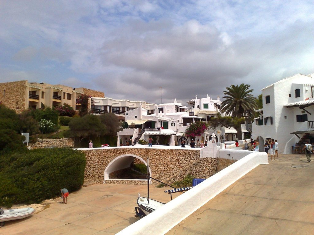 Binibeca è un piccolo villaggio di pescatori spagnolo