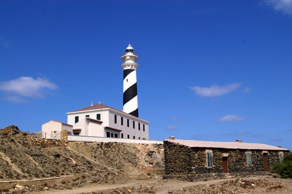 Il faro di Favàritx è un faro attivo sull'isola spagnola di Minorca