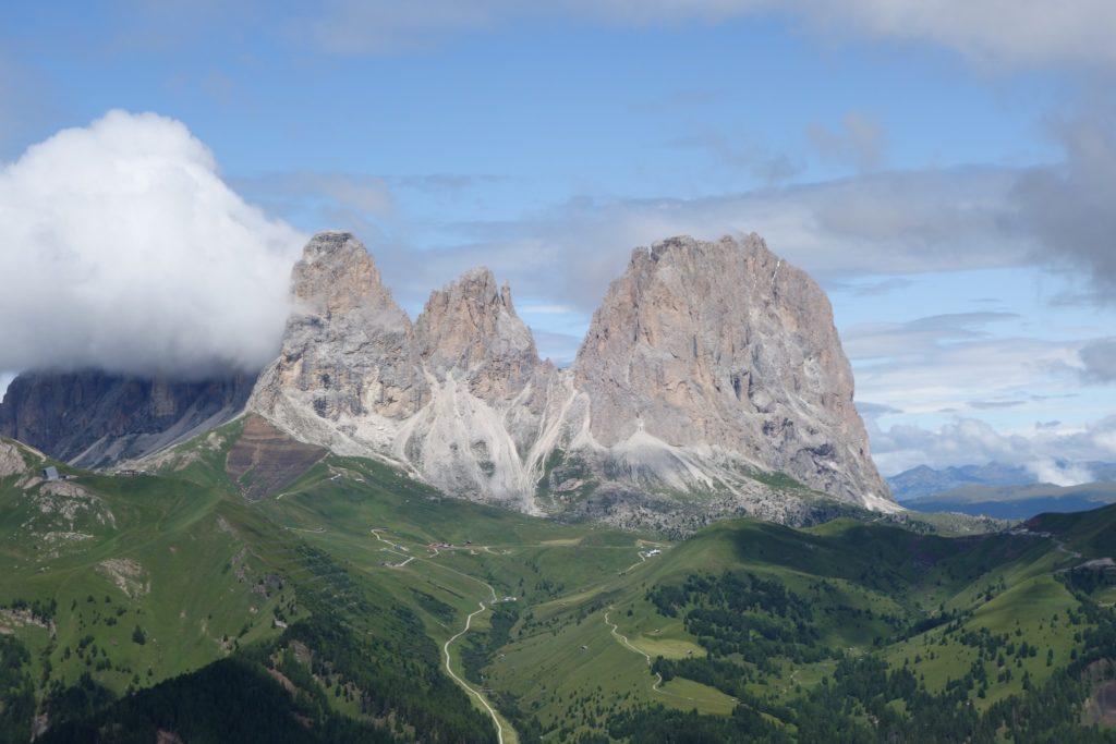 Il passo Pordoi è un valico alpino delle Dolomiti posto a 2.239 m