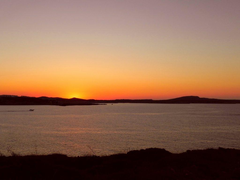 Minorca è bella per  cercare i migliori punti da cui godersi il tramonto