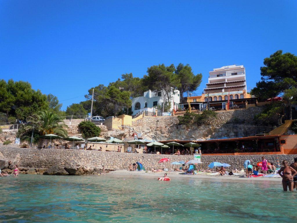 Foto del villaggio turistico a Cala Portinatx Ibiza Isole baleari