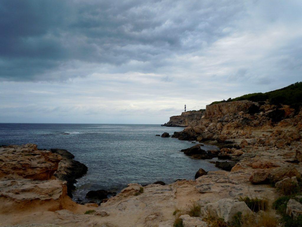 Foto del  famoso faro di Portinatx a Ibiza - Isole baleari