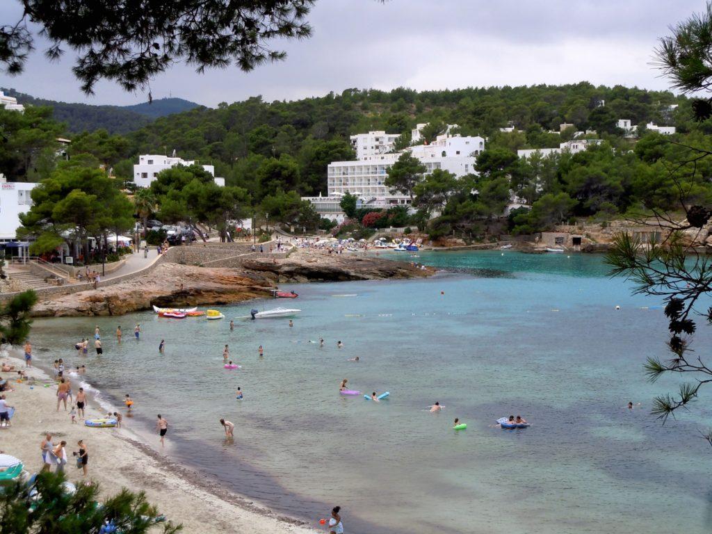 Foto di Cala Portinatx - Una bellissima caletta a nord di Ibiza