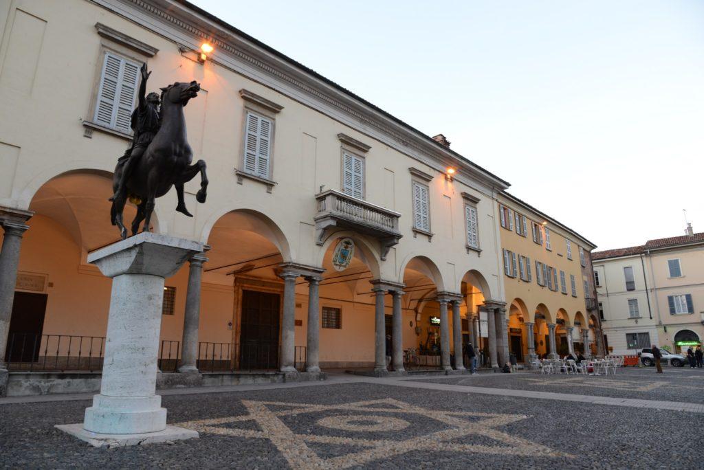 Foto del Palazzo Vescovile  in Piazza Del Duomo a Pavia
