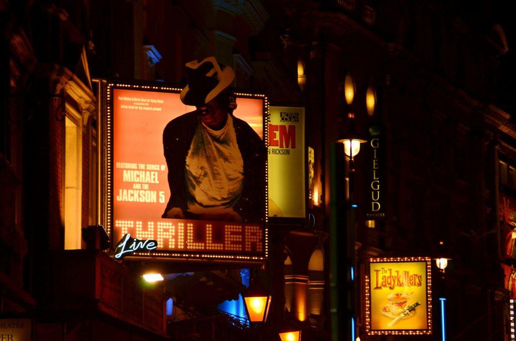Londra è una città   conosciuta per la sua vita notturna piena di Pub, club e discoteche