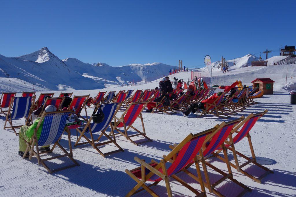 Foto impianti Carosello 3000 Livigno - Turisti che prendono il sole