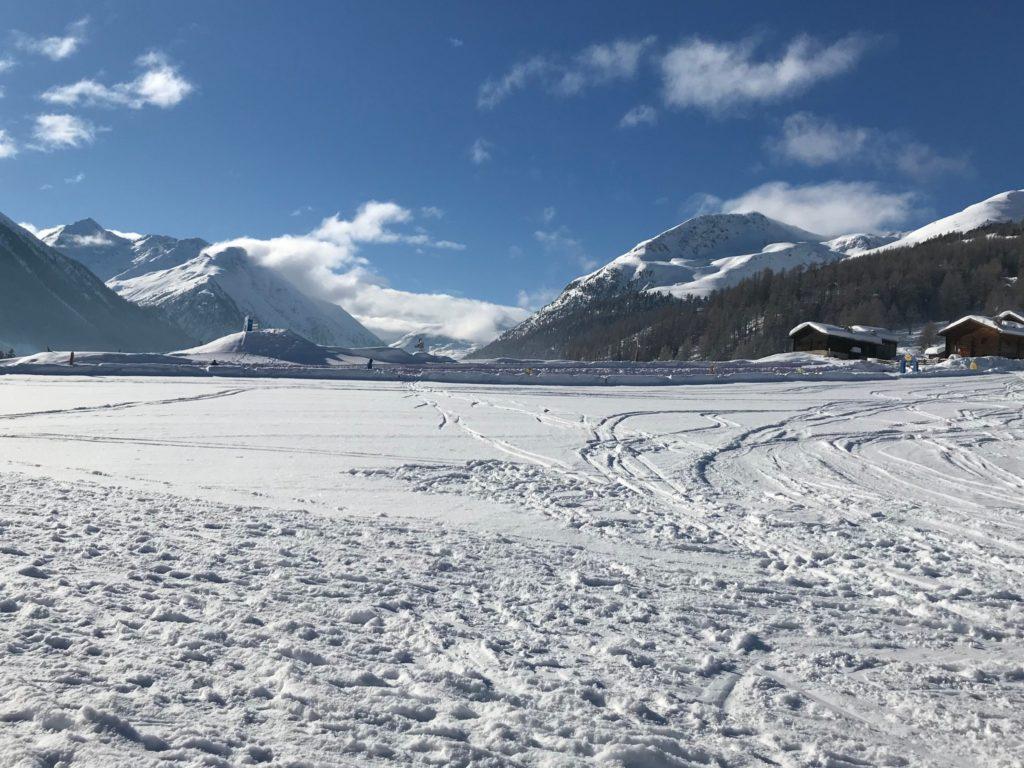 Foto di un paesaggio con neve a Livigno